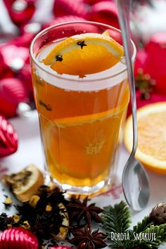 Świąteczna herbata Drinking Tea, Afternoon Tea, Pint Glass, Hot Chocolate, Christmas Time, Juice, Food And Drink, Menu, Cooking Recipes