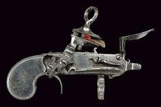 Dispositiu amb pany miquelet del primer terç del segle XVIII. Possiblement es tracti d'un provador de pólvora fet a Nàpols ( molla invertida).