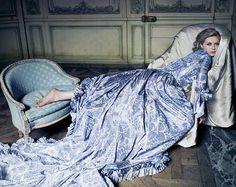 Marie Antoinette - Kirsten Dunst- love a blue pattern!
