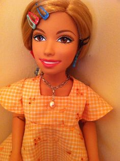 Sharpay 17 1/2 in doll dress & necklace