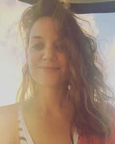 Katie Holmes showed off her natural beauty in a makeup-free selfie on Wednesday. Katie Holmes, Naturally Beautiful, Free Makeup, Camisole Top, Selfie, Tank Tops, Beauty, Instagram, Women