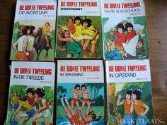 De dolle tweeling (Enid Blyton) - nog zo'n tweelingenserie die ik letterlijk stuk gelezen heb.