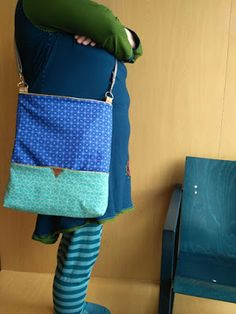 Radau in the next room: on Wednesdays I like: the color blue, my new bag & the csd-linkparty. and streuselkuchen! New Bag, Shoulder Bag, Color Blue, Cake Recipes, Bedroom, Designer Bags, Easy Cake Recipes, Shoulder Bags, Bedrooms