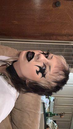 Punk Makeup, Grunge Makeup, Gothic Makeup, Eye Makeup Art, No Eyeliner Makeup, Makeup Inspiration, Makeup Inspo, Alternative Makeup, Creative Makeup Looks
