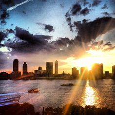 via @jetsetterdotcom on Instagram, classic Manhattan sunset