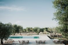 hotel pool Masseria Moroseta Hotel Architect: Andrew Trotter Location: Ostuni, Puglia, Italy Masseria Moroseta Hotel Interior By Andrew Trotter. Casa Hotel, Hotel Pool, Piscina Do Hotel, Italy House, Hotel Interiors, Menorca, Pool Designs, Outdoor Pool, Best Hotels