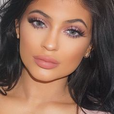 Kylie Jenner Reveals How She Fakes Flawless Skin & Kim Kardashian's Look -I can't stomach any of them but I love this matte neutral makeup look