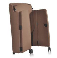 CAJUN poltrona di design richiudibile con scocca in acciaio ricoperta di poliuretano Showroom, Suitcase, Design, Shopping, Suitcases, Briefcase, Fashion Showroom