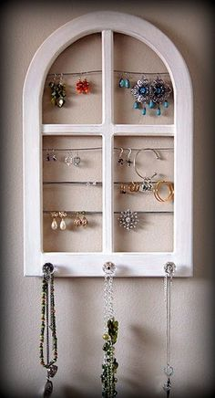 5 Unique & Useful ways to store jewelry on Apt Therapy