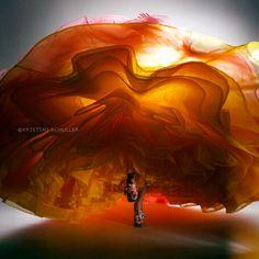 The dancing dress.......  Kristian Schuller