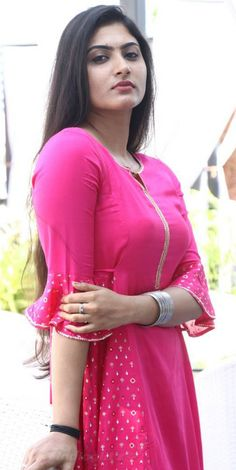 Looking very cute 😍😘❤️ wearing beautiful kameez Beautiful Blonde Girl, Beautiful Girl Indian, Most Beautiful Indian Actress, Beautiful Girl Image, Desi Girl Image, Indian Girl Bikini, Indian Girls Images, Indian Teen, Stylish Girl Images