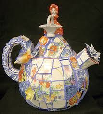 Image from http://clermontsun.com/wp-content/uploads/2015/08/ArtAffaire_Caruso_Teapot.jpg.