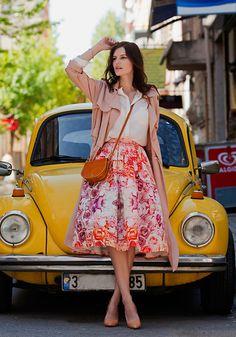 Front Row Shop Duster Coat, Zara Cream Blouse, Chicwish Midi Skirt, Vintage Bag, Zara Pumps