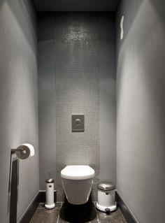 Toilet - Francois Hannes.