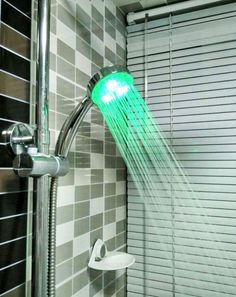 You can feel the water temperature by seeing the three LED color changed. 25 degrees display green, 25 to 35 degrees display blue, 35-45 degrees display red.  Low free phototherapy is installed on the shower head which is a very convenient and practical products, good-looking and fun.