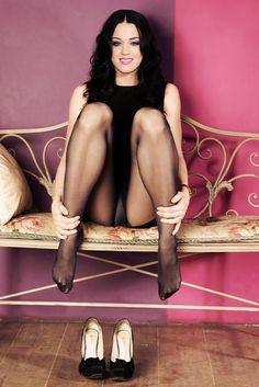 #katy perry  #pantyhose  #tights  #nylon  #feet  #upskirt  #celebrity