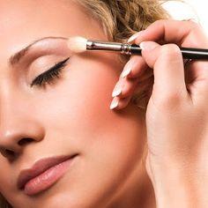 Como Maquillarse en la Primera Cita - Para Más Información Ingresa en: http://formasdemaquillarse.com/como-maquillarse-en-la-primera-cita/