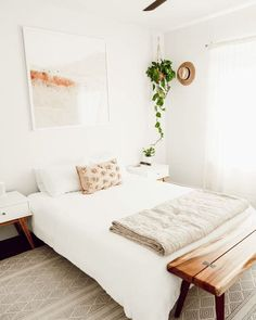 Cheap Home Decor White bedding is back in stock meaning your room can look like ASAP. Home Decor White bedding is back in stock meaning your room can look like Om & The City Home Interior, Home Decor Bedroom, Modern Bedroom, Interior Design Living Room, Bedroom Ideas, Master Bedroom, Minimalist Bedroom Boho, All White Bedroom, Warm Bedroom