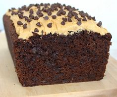 Chocolate Mocha Chip Banana Bread - this chocolate banana bread has a delicious mocha twist. It will disappear in a day! Chocolate Chip Zucchini Bread, Chocolate Peanut Butter Cheesecake, Chocolate Banana Bread, Chocolate Cakes, Salted Caramel Mocha, Mocha Chocolate, Caramel Apple, Brownie Recipes, Chocolate Recipes