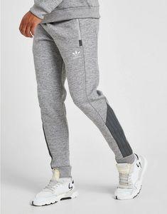adidas Originals Street Track PantsShop online for adidas Originals Street Track Pants with JD Sports, the UK's leading sports fashion retailer. Track Pants Mens, Style Masculin, Sweatpants Outfit, Nike Tech Fleece, Mens Joggers, Sport Pants, Fashion Pants, Alter, Sportswear