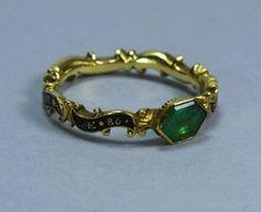 Antique Georgian Gold Emerald Ring Century, dated 1760 on ring. Diamond Jewelry, Gold Jewelry, Jewelry Rings, Jewelery, Jewelry Accessories, Diamond Pendant, Diamond Rings, Tiffany Jewelry, Fine Jewelry