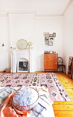 Love this pink rug