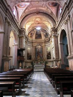 L'intérieur de l'église paroissiale