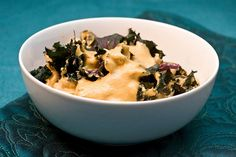 Comfort food made fresh, easy, and healthy! A rich and creamy sunflower seed, carrot, or cashew cheese sauce over gf pasta (I used Quinoa) and steamed kale. Delicious! macSunNyMacNKale by isachandra, via Flickr
