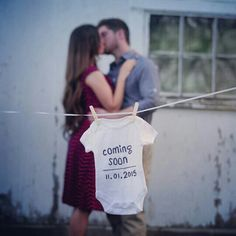 This is one of the cutest pregnancy announcement pictures that every I've seen.