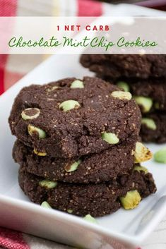 Chocolate Mint Chip Cookies are a low carb keto recipe with only 1 net carb per cookie! Chocolate Mint Chip Cookies are a low carb keto recipe with only 1 net carb per cookie! Keto Chocolate Chip Cookies, Sugar Free Chocolate Chips, Keto Cookies, Chocolate Flavors, Chocolate Recipes, Low Carb Desserts, Dessert Recipes, Dinner Recipes, Lunch Recipes