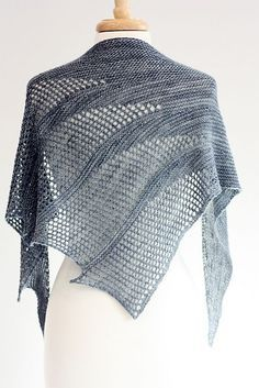 Ravelry: Artesian pattern by Rosemary (Romi) Hill Knitting this right now!