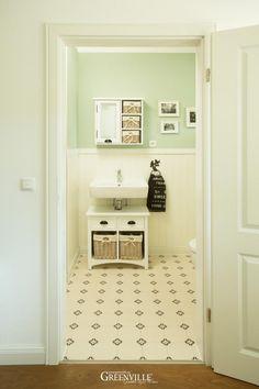 Mit Wandfarbe kleine Räume größer wirken lassen. Hier mehr lesen: https://www.greenville.ag/holzhaus-blog/177-wandfarbe-in-kleinen-raeumen
