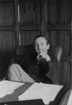 Walt Disney (Hollywood, CA, US; 1938-11; photo by Alfred Eisenstaedt; LIFE collection)