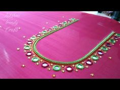 Maggam embroidery work simple and easy tutorial video. Blouse Designs Catalogue, New Blouse Designs, Bridal Blouse Designs, Hand Embroidery Design Patterns, Simple Embroidery Designs, Blouse Patterns, Easy Rangoli Designs Diwali, Mirror Work Blouse Design, Hand Work Design