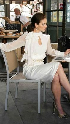 20 trendy ideas for fashion classy chic parisian style Gingham Dress, White Dress, Lace Dress, Style Feminin, Parisienne Chic, Floral Print Skirt, Mode Outfits, Office Outfits, Skirt Outfits