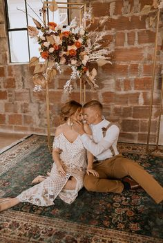 Today's inspiration draws upon the warm tones and textures you'll find across the vast and rocky landscape of the southwest. Deep maroons and natural terracotta shades are mixed with intricate lace to create a one-of-a-kind southwestern boho-inspired wedding. See more rustic wedding inspiration, and dress ideas at rusticweddingchic.com 📸: @sunandrosephoto Bohemian Look, Bohemian Bride, Rustic Wedding Inspiration, Rose Photography, Wedding Photos, Wedding Ideas, Boho Wedding, Dress Ideas, Wedding Dresses