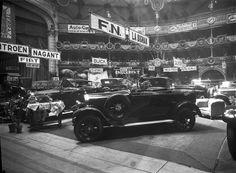 1º Salão Automóvel realizado no Coliseu dos Recreios em Lisboa, 1925. Fotógrafo: Mário Novais, 1899-1967. Data de produção da fotografia original: 1925.  [CFT003 102513.ic]