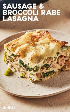 Sausage and broccoli rabe is a classic pasta combination. It felt right to feature the dynamic duo in this decadent white lasagna. Easy Pasta Recipes, Dinner Recipes, Cooking Recipes, Healthy Recipes, Dinner Ideas, Lasagna Recipes, Gf Recipes, Easy Meals, Gastronomia