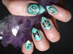 I have decided to quit a bit with my League of Legends nails, I also almost quit playing it, so the game does not inspire me as much as it. Rune Stones, Kawaii Nails, Runes, Witchcraft, Zodiac, Nail Art, Turquoise, Crystals, Green Turquoise