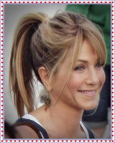 Jennifer Aniston The everyday high ponytail Pony Hairstyles, Braided Hairstyles Tutorials, Pretty Hairstyles, Popular Hairstyles, Hair Tutorials, Jennifer Aniston Long Bob, Jenifer Aniston, Hair Styles 2014, Curly Hair Styles