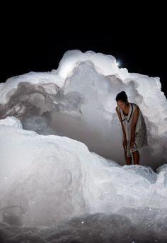 Área Visual - Blog de Arte y Diseño: Foam. Instalación de Kohei Nawa
