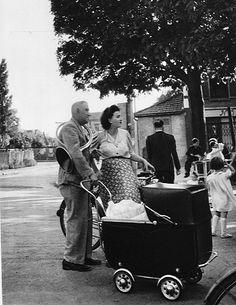 Belles Echappées. http://fr.pinterest.com/LaBelleEchappee/ Robert Doisneau - La banlieue de Paris, 1949.