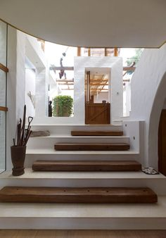 Alternate stone and timber treads. Via habitusliving.com by MPR Design Group    http://www.stairporn.org/2013/01/11/alternating/#