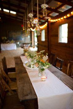 Beautiful party or wedding reception tablescape Best Friend Wedding, Sister Wedding, Dream Wedding, Wedding Dreams, Wedding Stuff, Log Cabin Wedding, Lodge Wedding, Wedding Reception, Bohemian Chic Weddings