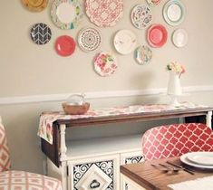 Easy DIY Home Decor Crafts: Plastic Plate Wall Hack