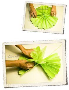 pompon de papel de seda Paper Crafts, Diy Crafts, Plastic Cutting Board, Paper Flowers, Tutorials, Craft Ideas, Crafty, Patterns, Projects
