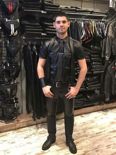 hungarian men in leather pants - Bing images Motorcycle Leather, Biker Leather, Leather Men, Leather Boots, Black Leather, Tight Leather Pants, Leather Trousers, Leather Jacket, Leder Outfits