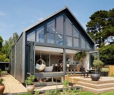 We already got Modern Tiny House on Small Budget and will make you swon. This Collections of Modern Tiny House Design is designed for Maximum impact. Small House Swoon, Modern Small House Design, Small Room Design, Minimalist House Design, Tiny House Design, House Plans Uk, Small House Plans, Micro House Plans, House Plans With Photos