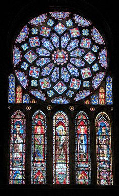 Chartres Cathedral is famous for its stain glass windows such as this window, the Chartres Rose Window. Stained Glass Church, Stained Glass Art, Stained Glass Windows, Mosaic Glass, Architecture Romane, Gothic Architecture, L'art Du Vitrail, Wine Bottle Wall, Broken Glass Art
