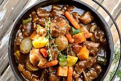 Breakfast for dinner: 6 speedy recipes you can make in just 30 mins Oxtail Recipes, Beef Recipes, Braai Recipes, Camping Recipes, Cooker Recipes, Mixed Vegetables, Veggies, Peppermint Crisp, Kitchens